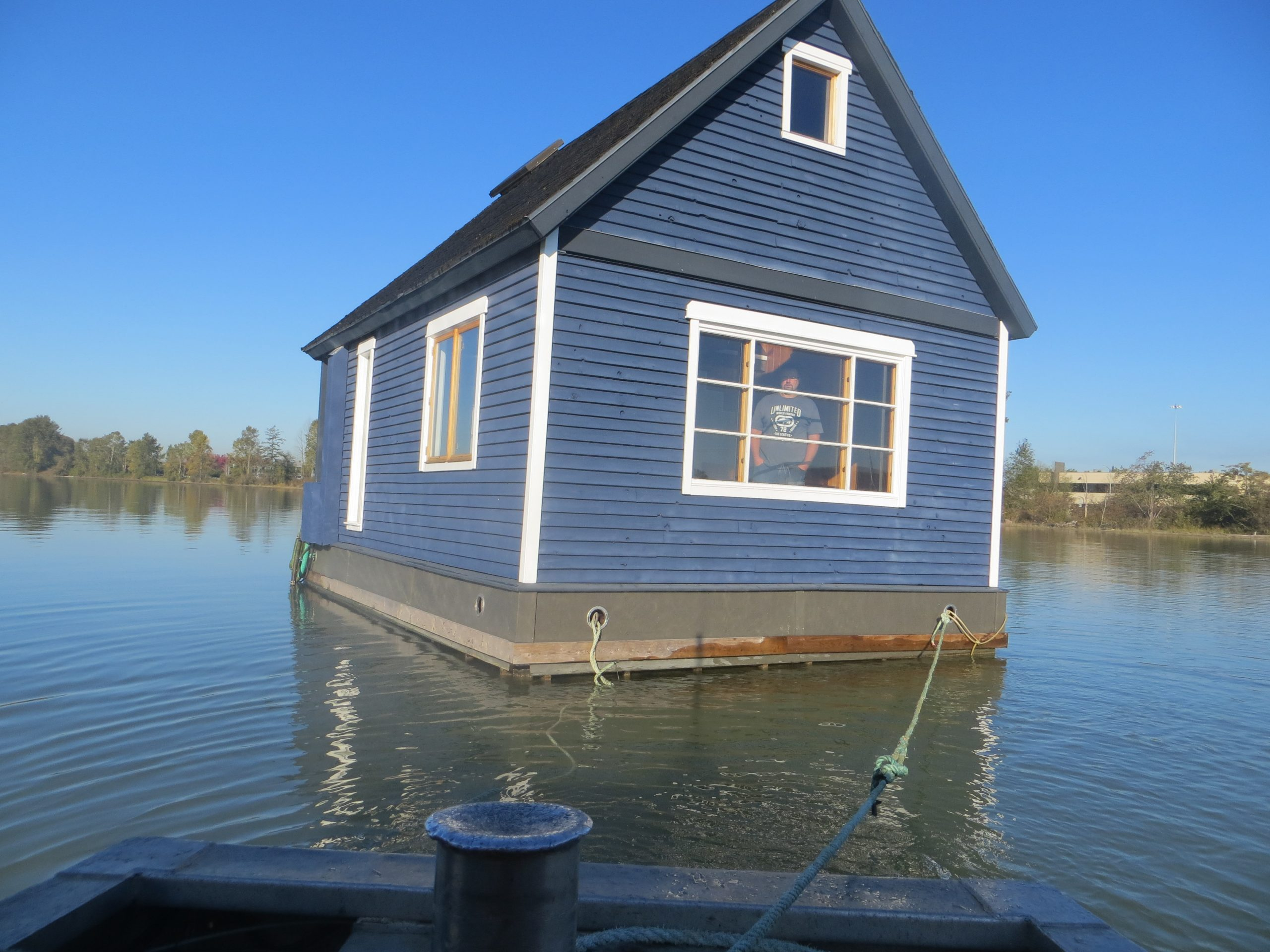 Towing a float house